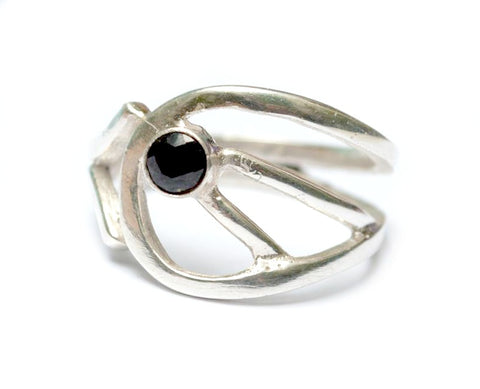 black spinal silver ring, black stone ring, modern silver ring