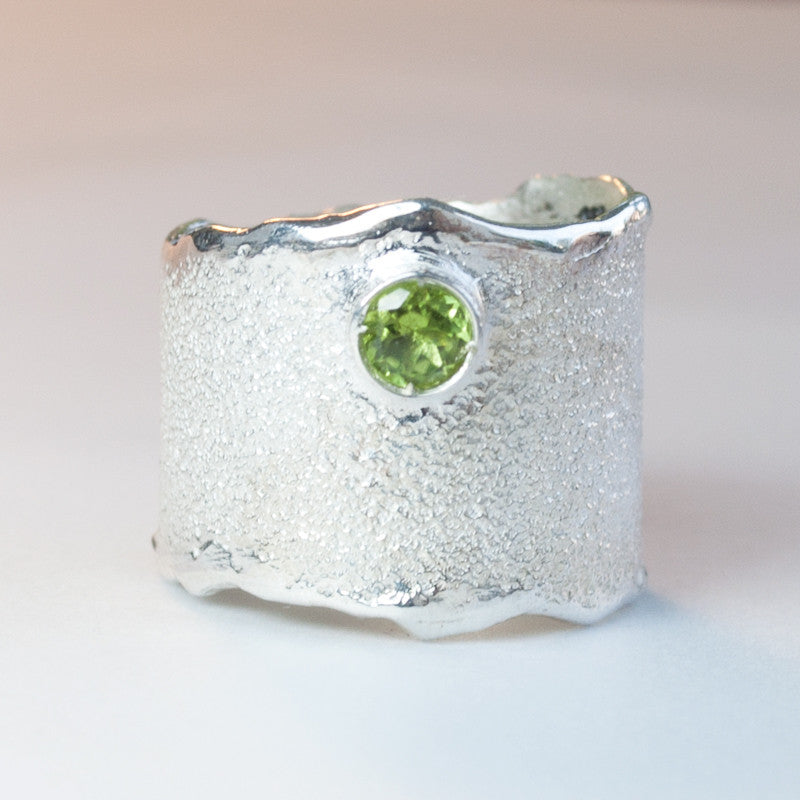 peridot Wide Silver ring, peridot semi precious Solitaire ring textured wide ring