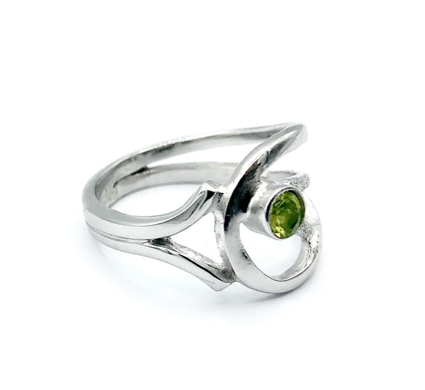 green peridot ring, August birthstone ring, modern silver ring
