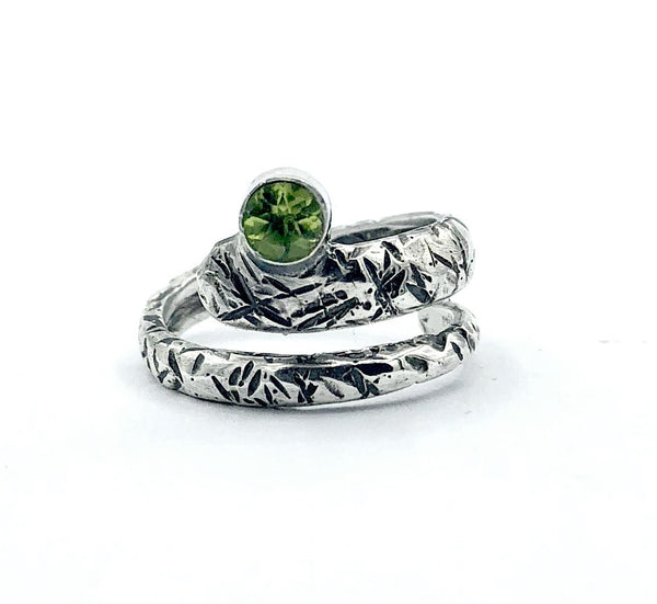 snake ring, peridot ring, green stone ring, August birthstone ring