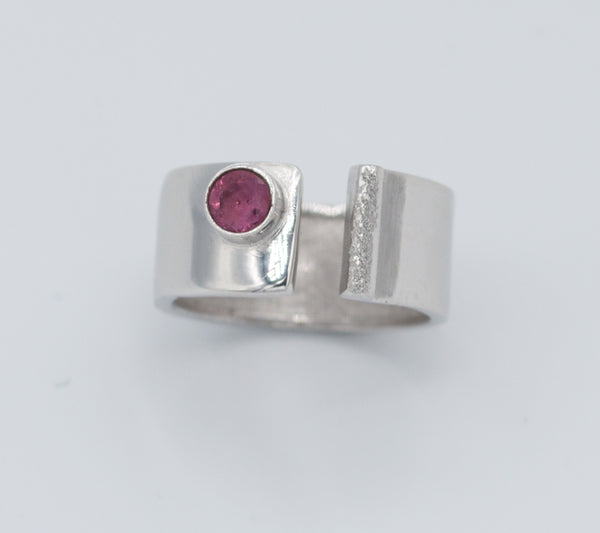 handmade pink tourmaline wide silver ring - pink tourmaline solitaire ring - pink stone ring