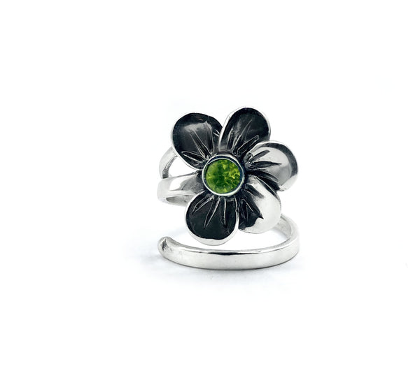 poppy flower ring, peridot silver ring, silver ring adjustable