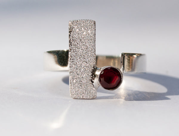 red garnet ring, red garnet silver ring, silver geometric ring with red stone ring