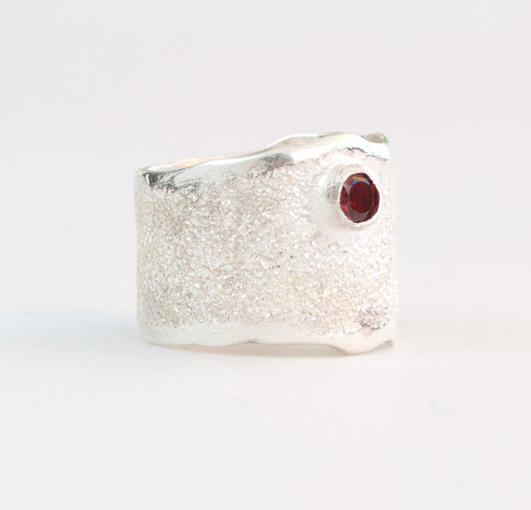 red garnet Wide Silver ring, peridot semi precious Solitaire ring textured wide ring