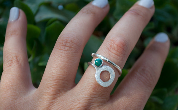 turquoise silver ring, open circle ring, turquoise stone ring, modern geometric silver ring