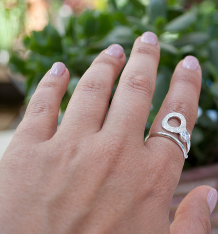white zircon silver ring, karma ring, geometric circle ring, zircon stone ring