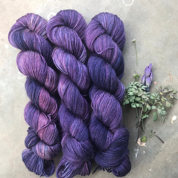 Monkshood on Dune Baby Camel and Silk Sock