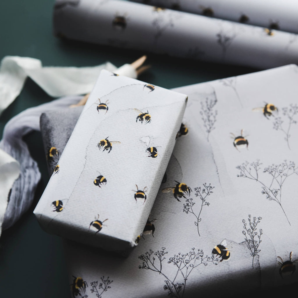 Watercolour Bumblebees Gift Wrap Set