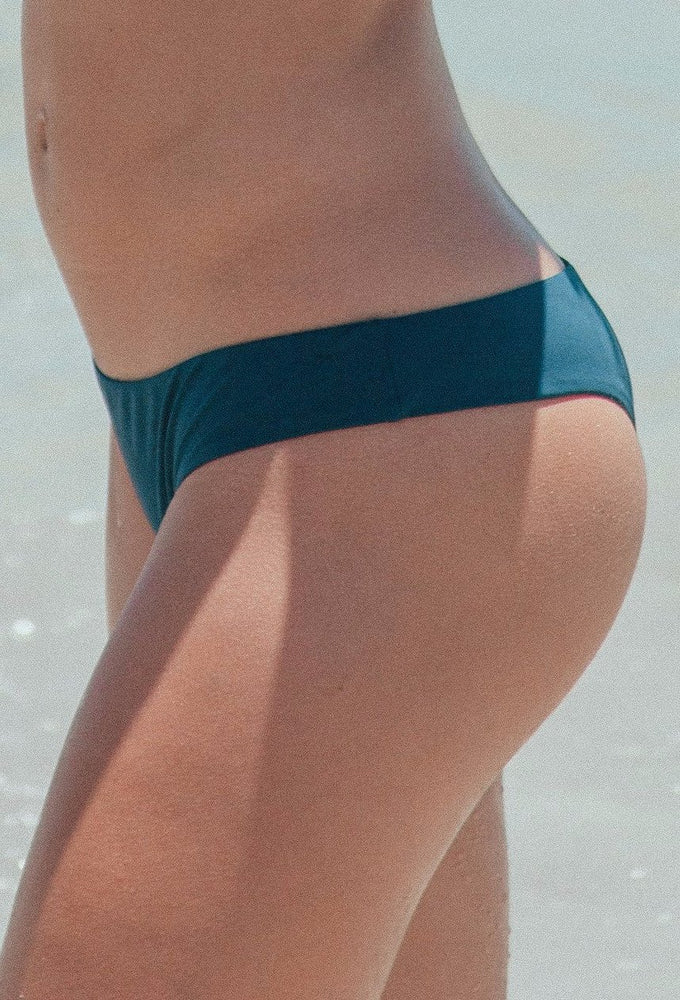 NICO BOTTOM