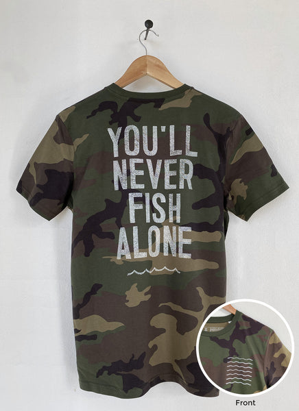 "Tee ""You'll Never Fish Alone"" - Unisex - Hjemhavn T-shirt"
