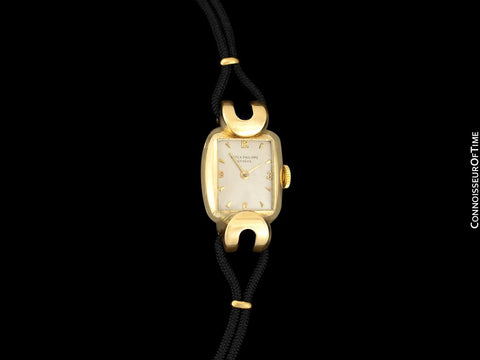 1950's Patek Philippe Vintage Ladies Ref. 2208 Watch - 18K Gold
