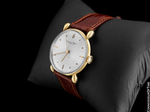 1946 IWC Vintage Mens Midsize Handwound Dress Watch, Caliber 60 - 18K Gold
