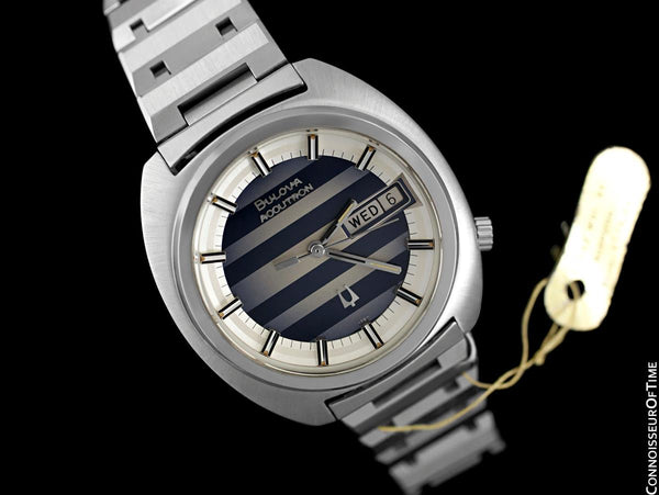 1974 Bulova Accutron Vintage Day Date Retro Mens Bracelet Watch, Stainless Steel - New-Old-Stock