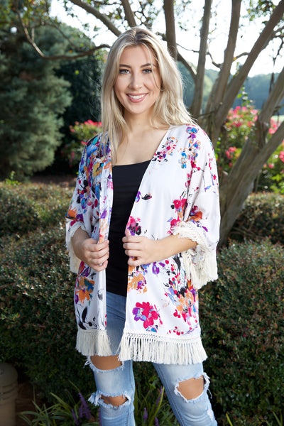 Cozy & sweet floral cardigan - white - Red Gate Boutique