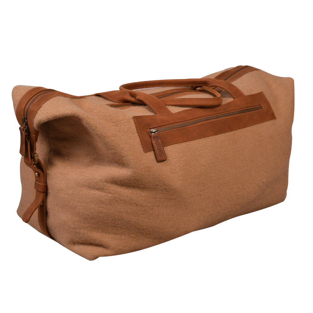 Meza's wool duffel bag with Leather Trim