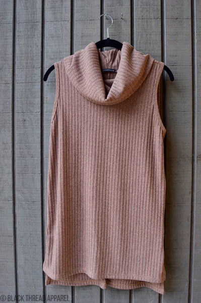 SIDE SLIT SLEEVELESS KNIT TUNIC - MOCHA