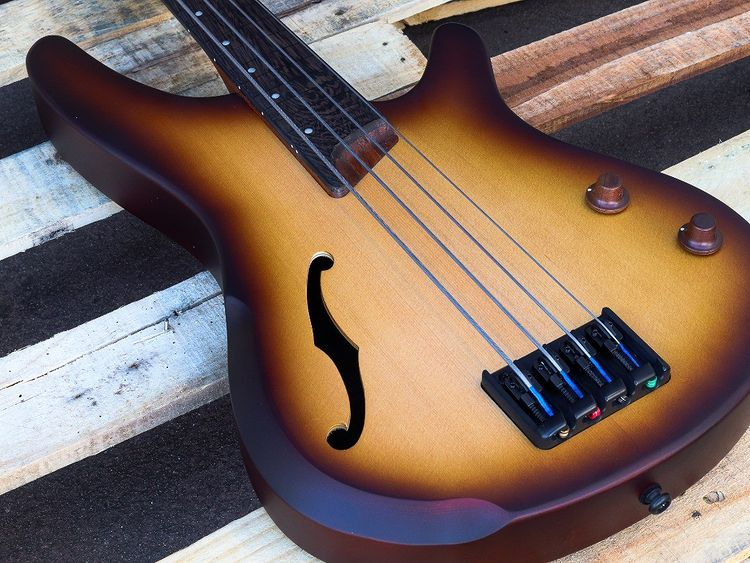 Ibanez SRH500F NNF Bass