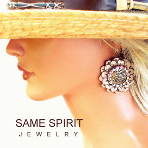 Same Spirit Ring of Fire Daisy Cream Pearl Earrings - The Downtown Dachshund