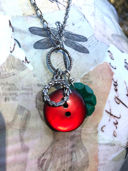 "Charm Button Necklace, Vintage Button Pendant, Christmas Charm, Silver Wreath Charm, 24"" Chain, Red & Green, Christmas Necklace CCN285"