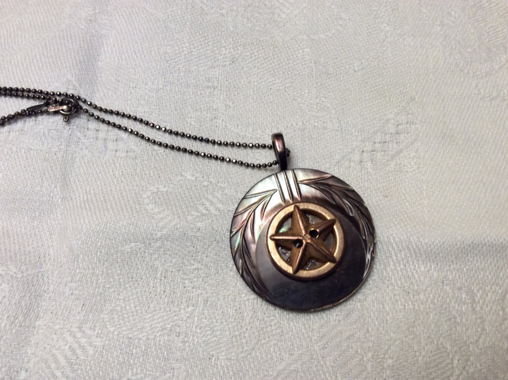 Vintage Button Pendant Necklace, Art Deco Copper 5 Point Star, Carved MOP Button, Button Jewelry, Button Necklace, Mother of Pearl, MPN247