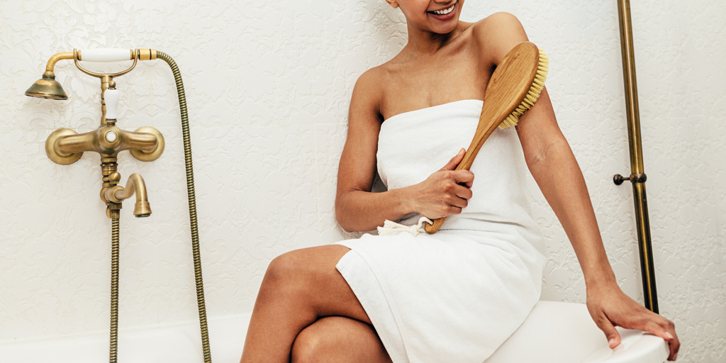 Detox, Improve Circulation & Glow Through Dry Brushing