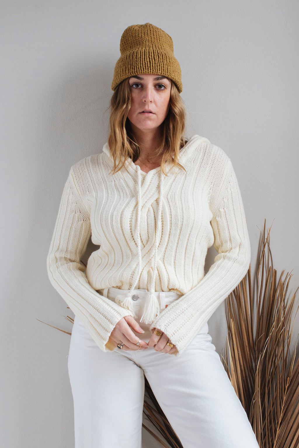 Cream Pullover Sweater - M