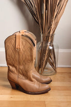 Load image into Gallery viewer, Vintage Frye Cowboy Boots - 8.5