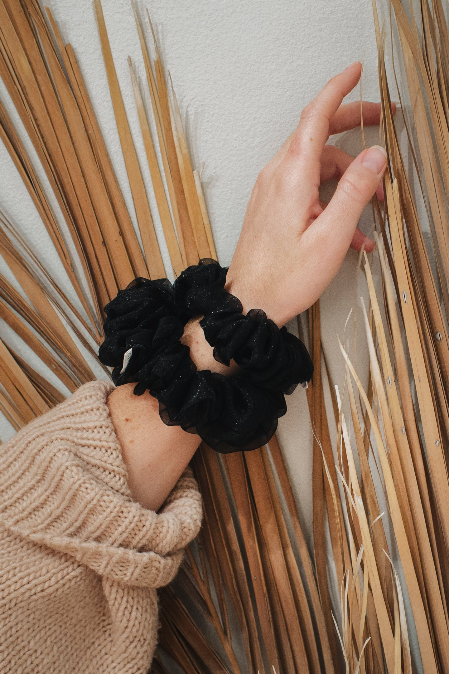 Scrunchie 02 - Black Tulle