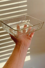 Load image into Gallery viewer, Vintage Pyrex Glass Container 01