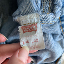 Load image into Gallery viewer, Vintage Levi Cut-offs - L