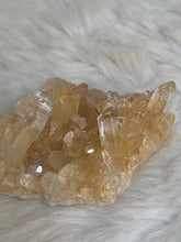 Load image into Gallery viewer, Himalayan Quartz - 05