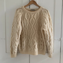 Load image into Gallery viewer, Vintage cream Knit Sweater - L