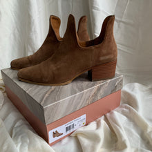 Load image into Gallery viewer, Franco Sarto Ashbury boot - size 9