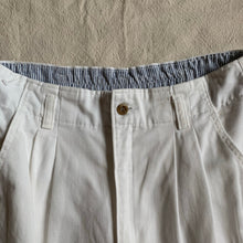 Load image into Gallery viewer, Vintage Relaxed White Pants - M