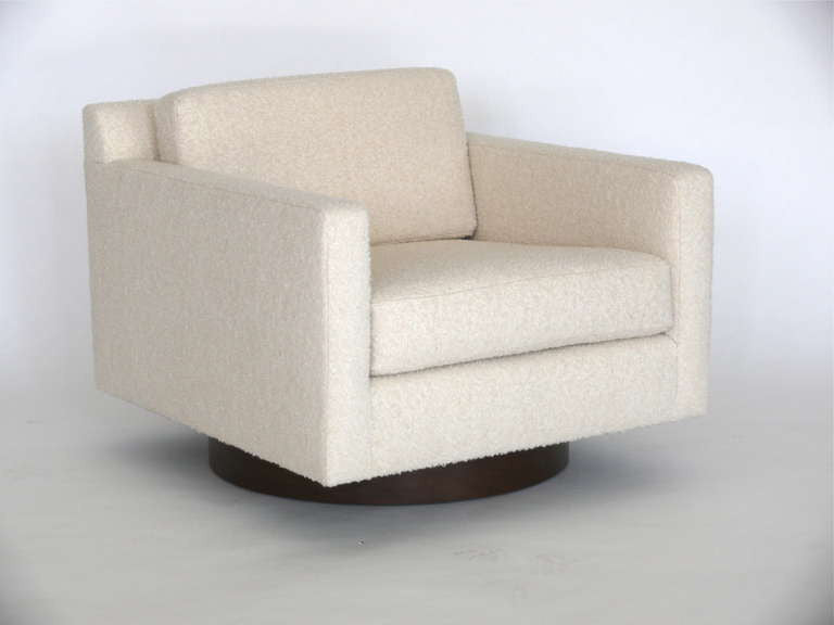 ... Pair Of Milo Baughman Style Swivel Chairs ...
