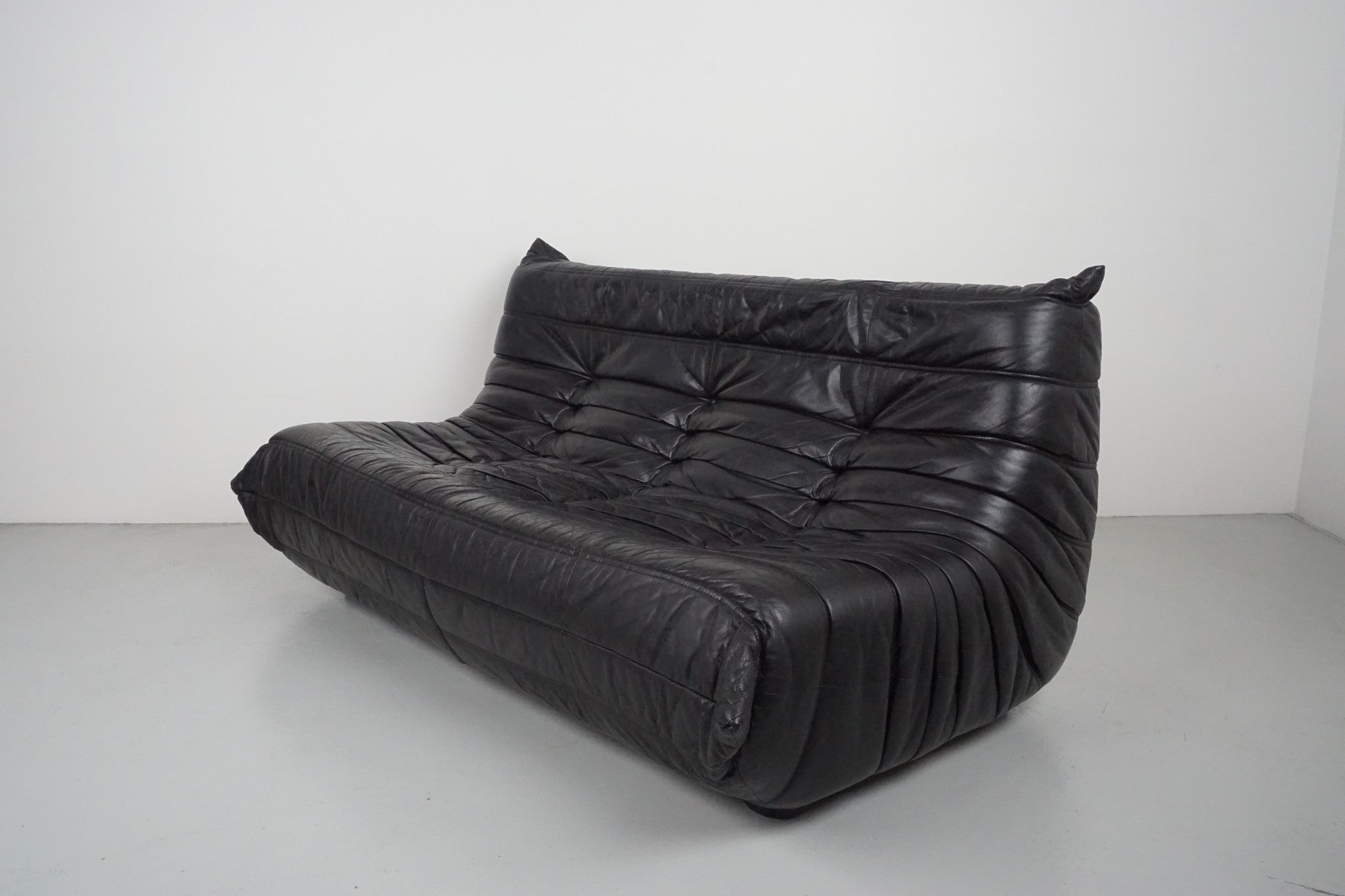 togo sofa by ligne roset orange furniture los angeles. Black Bedroom Furniture Sets. Home Design Ideas