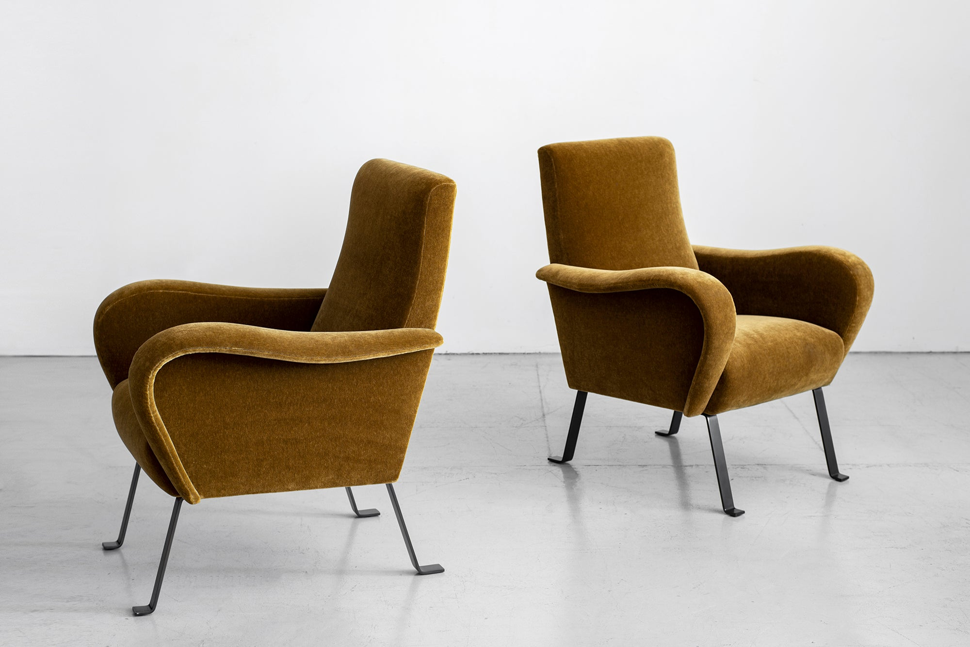 Astounding Italian Mohair Chairs Gmtry Best Dining Table And Chair Ideas Images Gmtryco