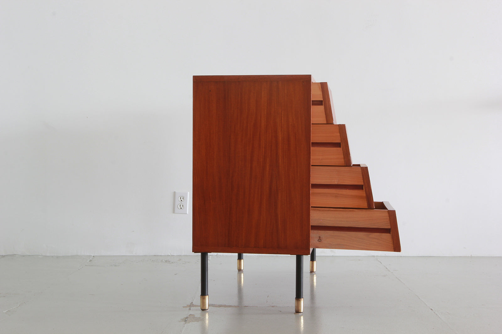 Charmant ... I.S.A. Bergamo One Door Four Drawer Cabinet ...