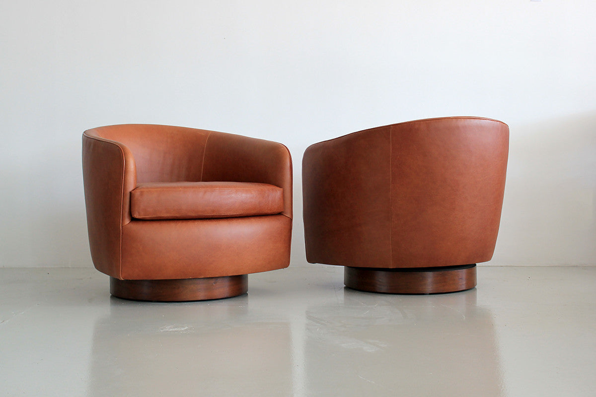 Magnificent Saddle Leather Swivel Chairs In The Style Of Milo Baughman Caraccident5 Cool Chair Designs And Ideas Caraccident5Info