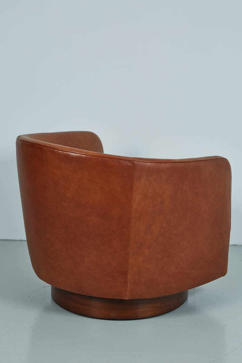 ... Saddle Leather Swivel Chairs In The Style Of Milo Baughman ...