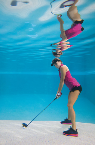Photo | Al Bello - underwater photo of Lexi Thompson