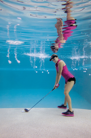 underwater photography of Lexi Thompson