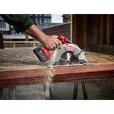 "Milwaukee 2731-22 M18 FUEL 7,1/4"" Circular Saw Kit w/(2)5Ah Batteries, Charger & Case"