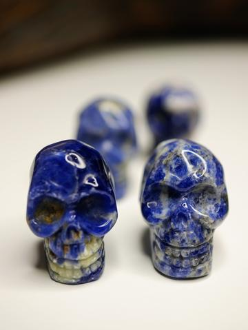 Sodalite mini skull carving