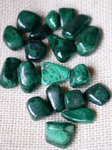 Malachite tumbled stone- small