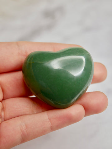 Green aventurine heart carving