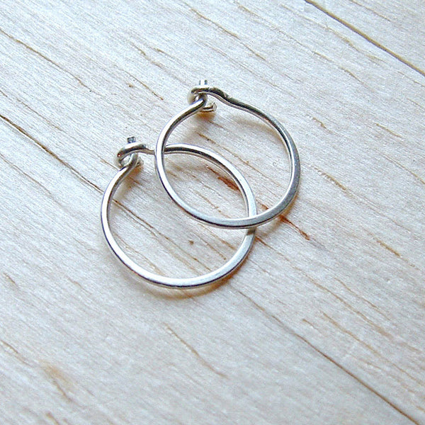 silver hoop earrings small