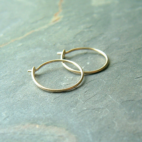 small solid gold hoop earrings