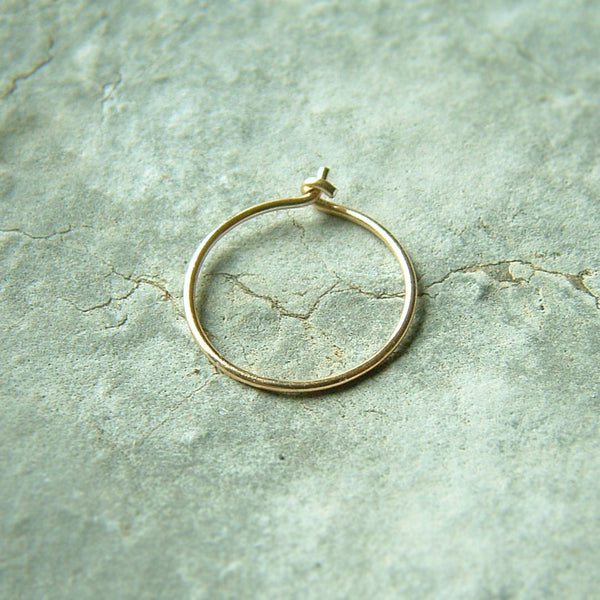 single gold hoop