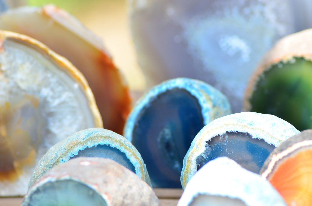 Agate Meaning - Types of Agate & Their Benefits